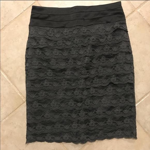 H&M Dresses & Skirts - NWOT H&M lace pencil skirt size 10